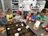 Przedszkolaki w piekarni Megan